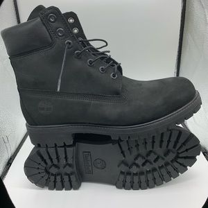 Men's  blk suede classic Timberland boots